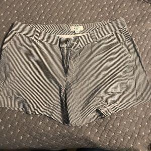 Women's shorts size 10p